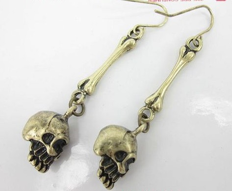 Retro skull earrings